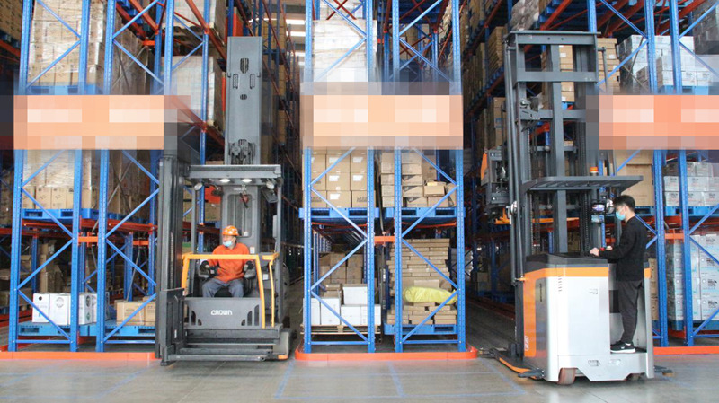 The case that zowell VNA forklift applied to automotive industrial.